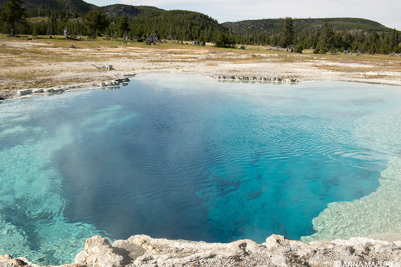 Yellowstone Photo Guide: Sapphire Pool at Biscuit Basin