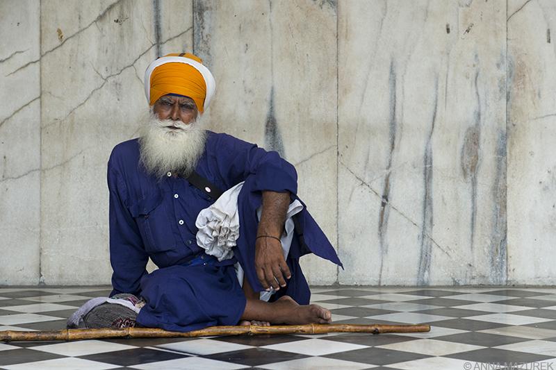 12 Places Not to Miss in India: Gurudwara Bangla Sahib Sikh Temple